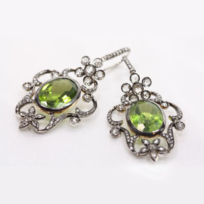 Peridot & Rose Cut Diamonds in Black Gold